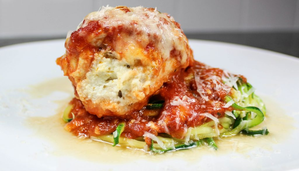 Lasagna Stuffed Chicken is stuffed chicken is filled with cheese, topped with fresh marinara sauce, and low-carb! Weight Watcher friendly recipe. www.bitesofflavor.com