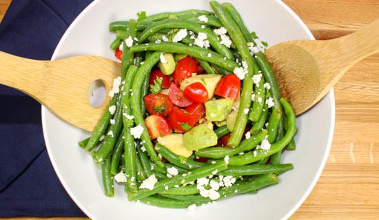Quick & Easy Green Bean Tomato Salad is the perfect side dish for a busy week night! Quick to make, low calories, refreshing, and full of flavor! Weight Watcher friendly (4 SmartPoints).