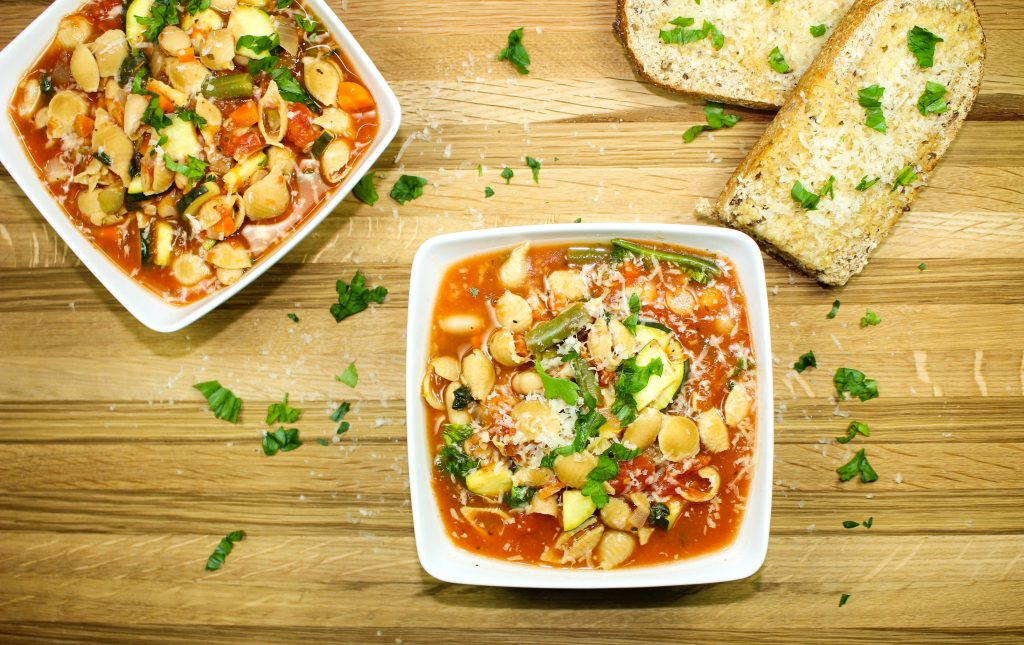 Slow Cooker Minestrone Soup-Warmth & comfort perfect for a cold day. Hearty vegetables, beans, & pasta mixed together will warm you soul. Delicious & low fat. Weight Watcher friendly (7 SmartPoints).