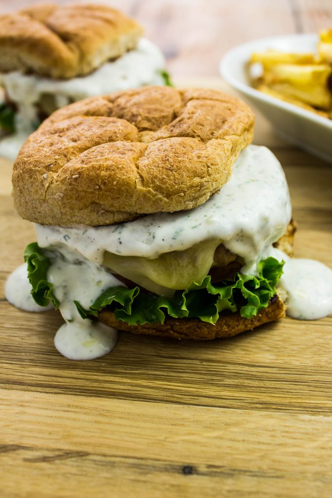 Ranch Turkey Burger are delicious & healthy! Weight Watchers friendly recipe. www.bitesofflavor.com